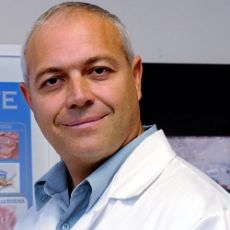 Dr. Eric Huyghe